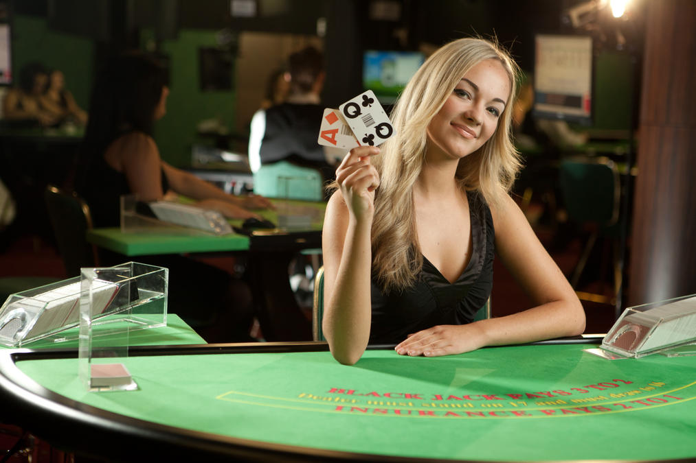 live blackjack female dealer